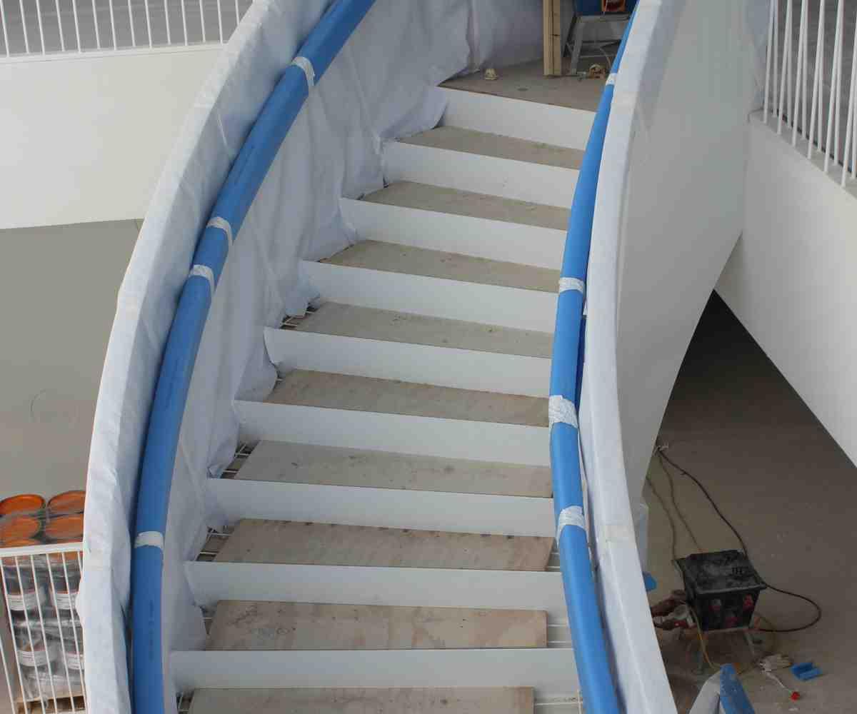 Handlauf und Treppengeländer schützen mit Frame Cover U-Profil